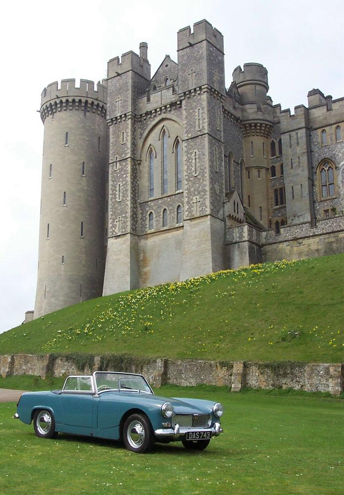 Our Mk1 at the Arundel picnic arranged by Andy Harris in 2004. It led to a nice cover pic.......